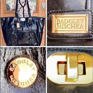 Badgley Mischka Black Leather Turnlock Tote bag